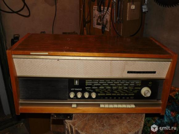 Радиола VEF радио. Фото 1.