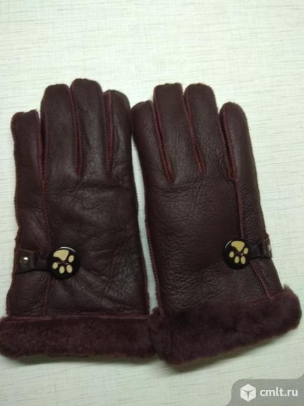 Кожаные темно-вишневые перчатки. Фото 1.