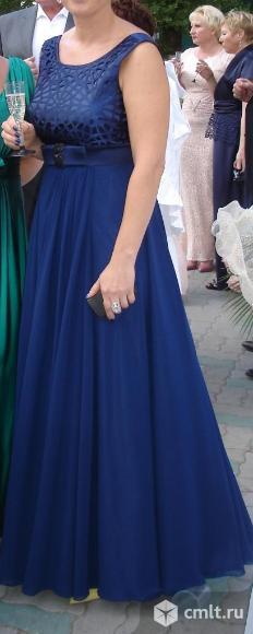 Платье для торжеств. Фото 1.