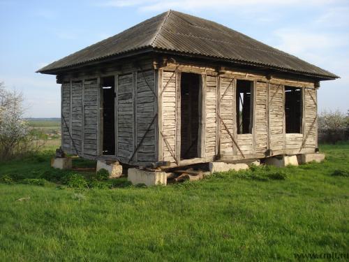 Дом деревянный недостроенный