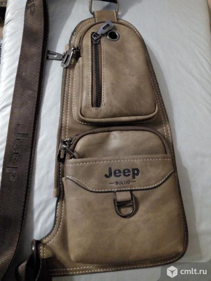 Классная сумка фирмы Jeep