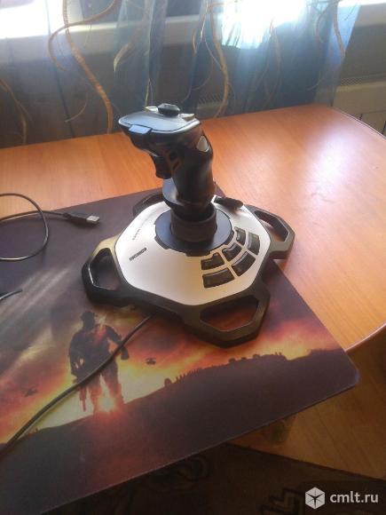 Джойстик Logitech Extreme 3D Pro. Фото 2.