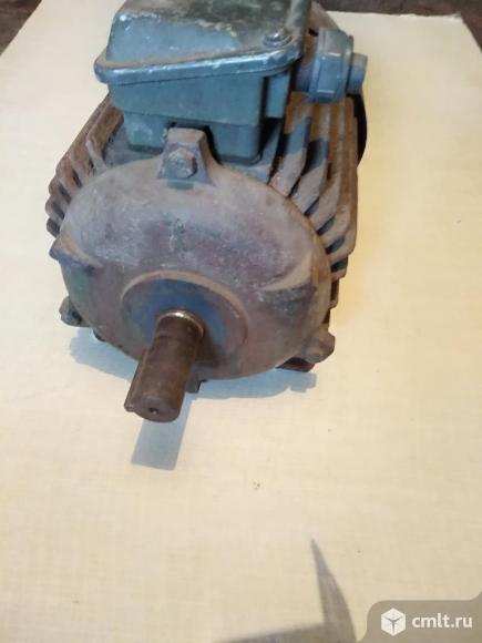 Трехфазный асинхронный электродвигатель. Фото 4.