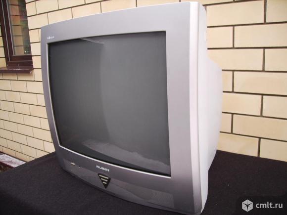 Телевизор кинескопный цв. Рубин. Фото 1.