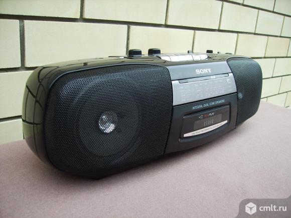 Магнитола Sony. Фото 8.
