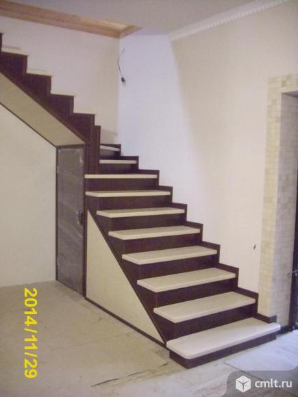 Изготовление и монтаж лестниц из массива дуба, бука и сосны. От простых до элитных.. Фото 12.