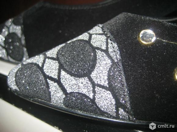 Туфли из черного велюра. Фото 6.