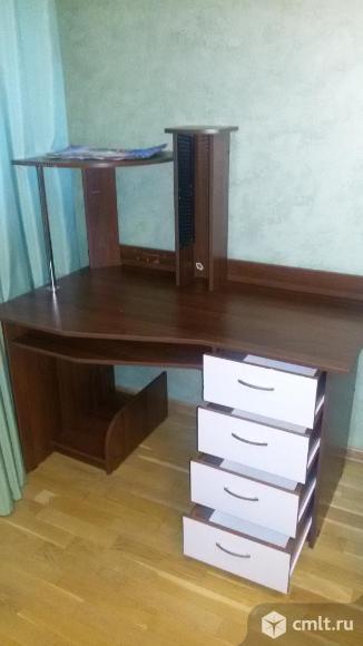 Продажа компьютерного стола. Фото 1.