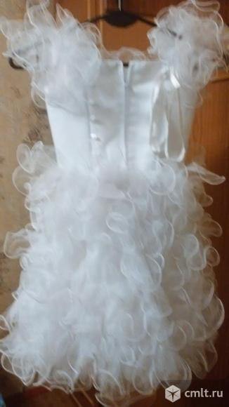 Праздничное красивое платье для детских утренников. Фото 3.
