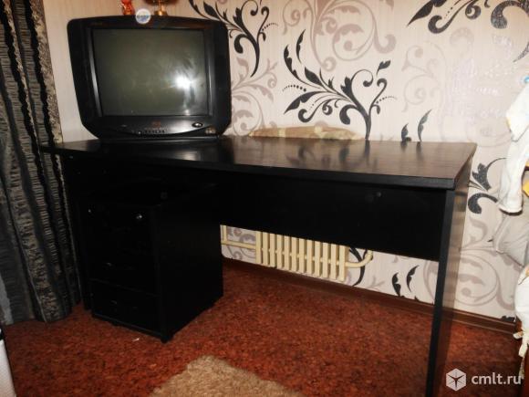 Стол черного цвета
