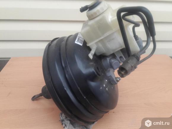 Вакуумный усилитель тормозов БМВ 520 Е39 1998 г. Фото 1.