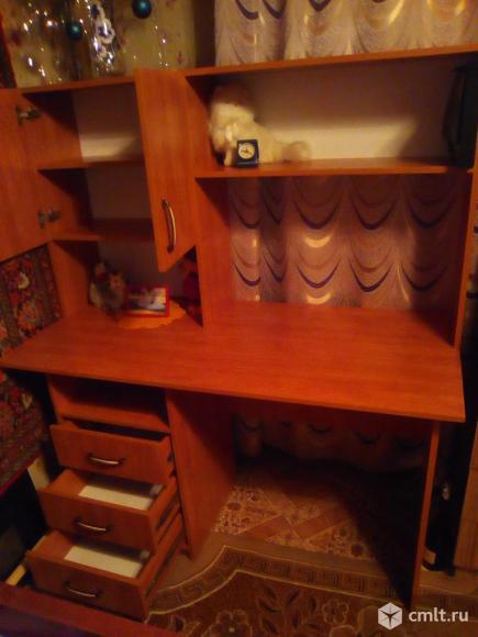 Компьютерный стол.. Фото 1.