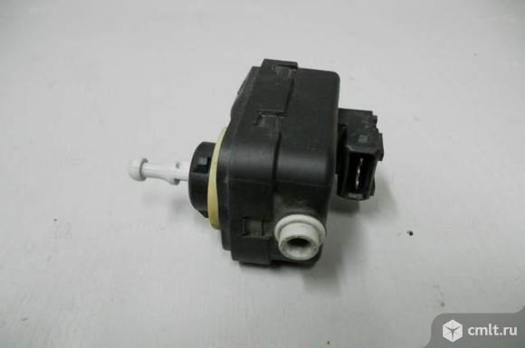 Моторчик корректора фары NISSAN MICRA K12E 04- б/у 26056AX600. Фото 1.