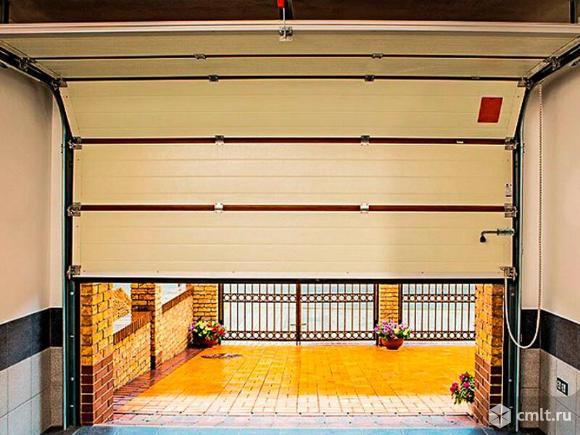 Бытовые секционные ворота из сэндвича. Фото 5.