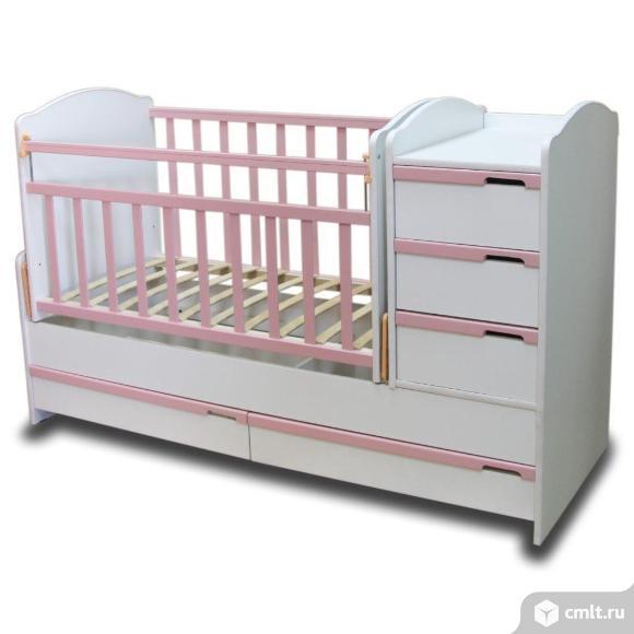 Приятная белая с розовым кроватка White