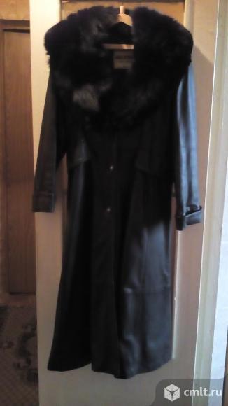 Продам кожаное пальто. Фото 1.