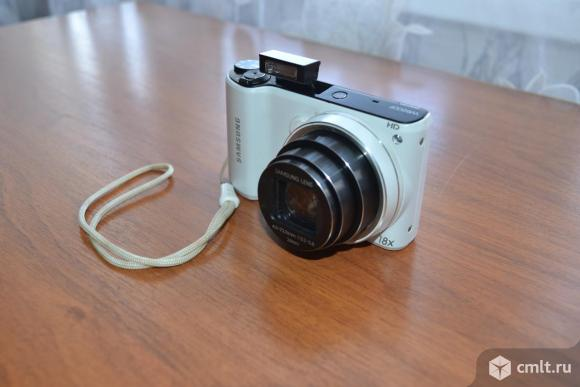 Цифровой фотоаппарат Samsung WB 200F. Фото 1.