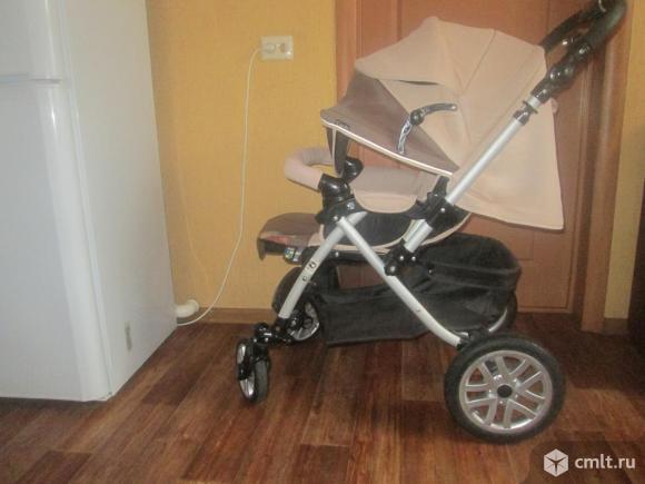Продаю прогулочную коляску Capella S-803