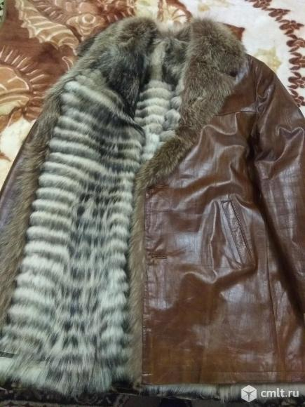 Куртка кожаная мужская на меху енота. Фото 8.
