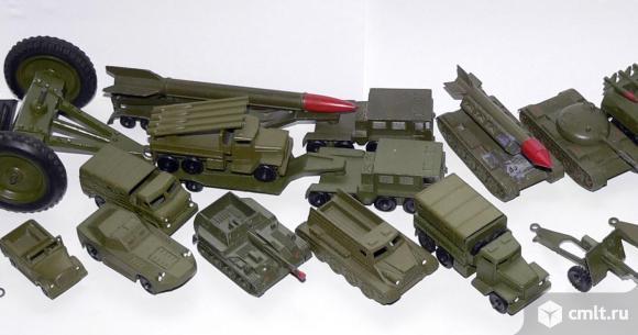 Куплю игрушки коллекционные, машины, военную технику, корабли, жезезную дорогу.. Фото 1.