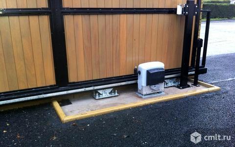 Итальянская автоматика Came на откатные ворота. Фото 1.