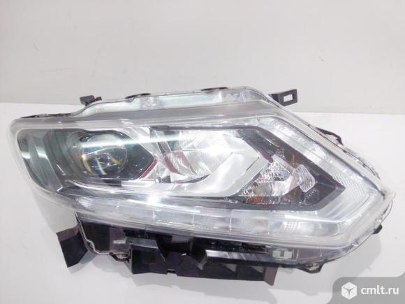 Фара правая LED NISSAN X-TRAIL T32 14- б/у 260104CC5C 2*. Фото 1.