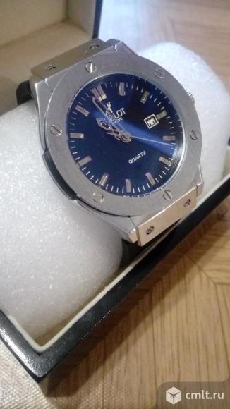 Часы Hublot новые. Фото 1.