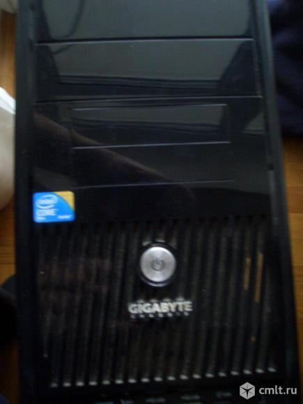 Компьютер без монитора. Фото 1.