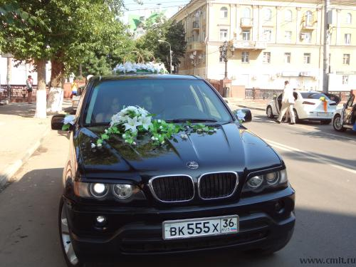 Интерьер салона BMW