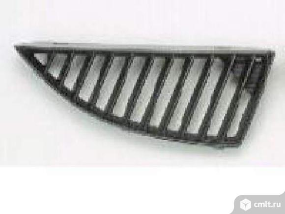 Решетка радиатора правая черн MITSUBISHI  LANCER 9 04-05. Фото 1.