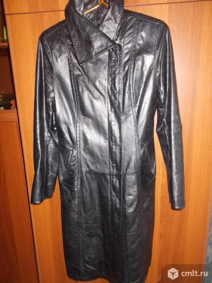 Демисезонная кожаная куртка, кожаный  плащ.. Фото 1.