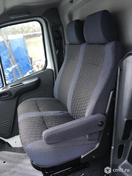 Пассажирское сиденье газель Некст с подлокотником. Фото 1.