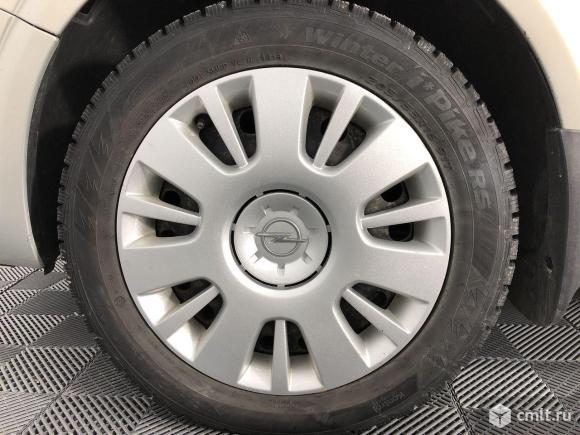 Opel Astra - 2008 г. в.. Фото 17.