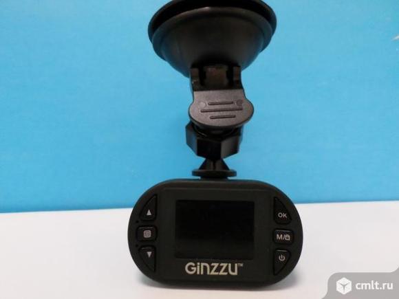 Видеорегистратор Ginzzu FX-800HD. Фото 1.