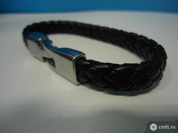 Кожаный браслет. Фото 1.