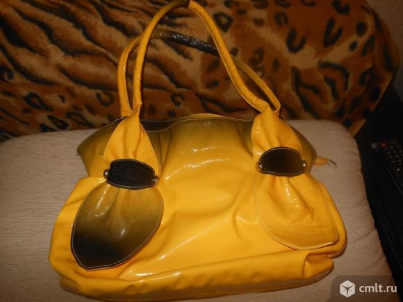 Лаковая сумочка и босоножки.. Фото 1.