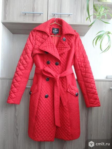 Стильное пальто-тренч. Фото 1.