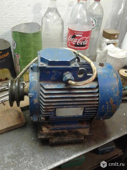 Двигатель АИР 90L2У3. Фото 1.
