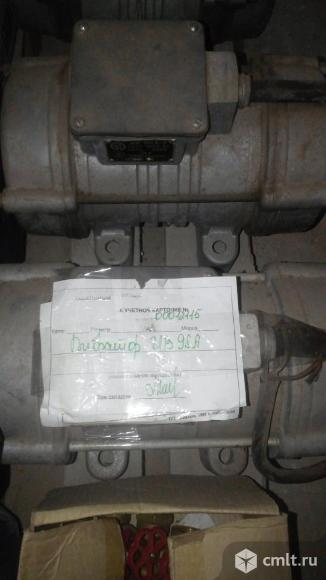 Продам вибраторы ив 98а, ив 70, ив 117 новые не дорого. Фото 1.