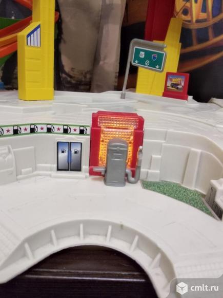 Hot Wheels мега гараж. Фото 10.