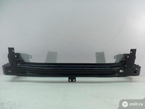 Усилитель бампера переднего VW TIGUAN 07-16 б/у 5N0807109F 4*. Фото 1.