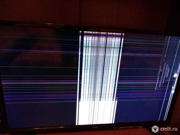 Телевизор на запчасти, разбита матрица. Фото 1.