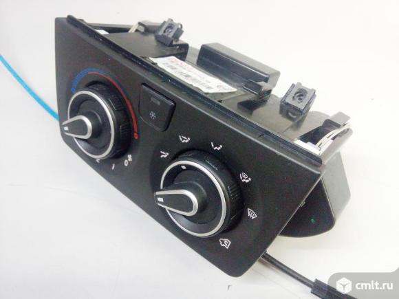 Блок управления печкой  кондиционером PEOGEUT BOXER 06-15 б/у 1607139980 4*. Фото 1.