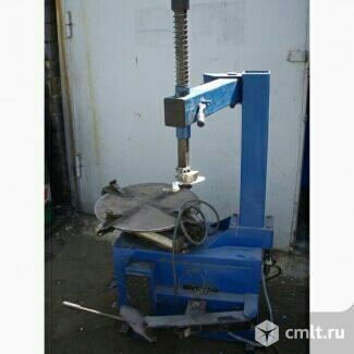 Устройство для разбортовки шин-монтажный станок. Фото 1.