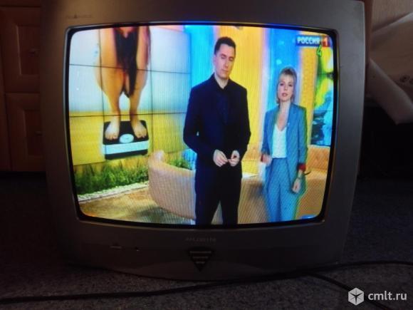 Телевизор кинескопный цв. Рубин 51м10. Фото 1.