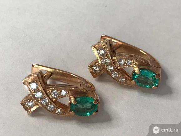 Золотое кольцо с   бриллиантами и изумрудом. Фото 4.