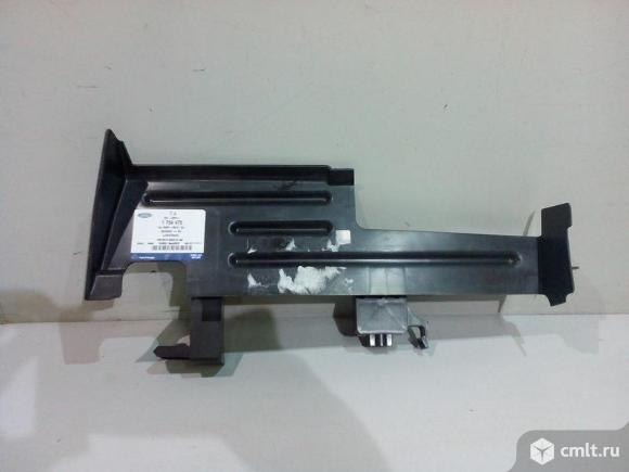 Воздуховод дефлектор радиатора правый FORD FOCUS 3 11-15 новый 1754478 4.5*. Фото 1.