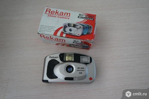 Фотоаппарат пленочный Rekam. Фото 1.