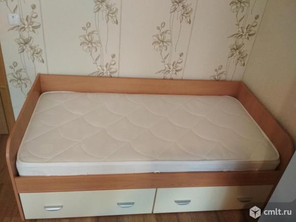 Односпальная кровать. Фото 1.
