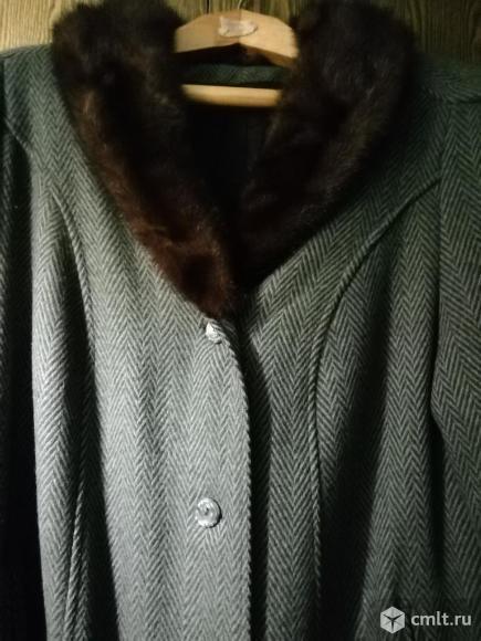 Продаю зимнее пальто б/у. Фото 1.